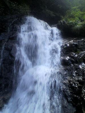 ③4段40m大滝の1段目