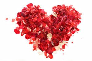 香りは薔薇から抽出したエキスを使用しております