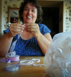 Sylvie haute réalise pour vous des bouquets de mariée en tissu et des décorations de mariage sur-mesure. Qualité artisanale, fabrication française et tissus de qualité pour un souvenir inoubliable de votre Jour J.