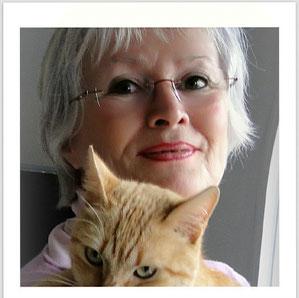 Birgitta im Februar 2012 mit einer Katze