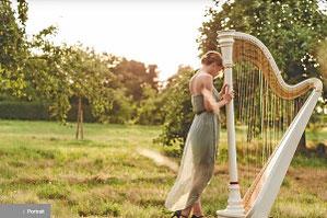 Nell Kura - Harfenspiel und Harfenunterricht in Basel
