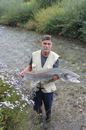 Am 1. 10. 2013 ging Erich Ronacher ein Huchen mit 112 cm und 12 kg an den Haken.