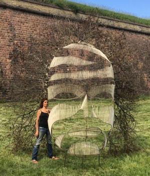 Le Passage, masque, sculpture Land Art bois, métal, ficelle, Festival de Land Art de Neuf-Brisach Remp'Arts 2018, Manon Cherpe