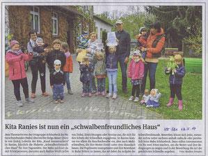 Volksstimme Schönebeck vom 19. Mai 2017 (Madlen Jirmann) Plaketten und Urkunde werden von den drei Mädchen in der Mitte hochgehalten!