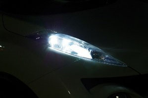 LS-23 面発光なので超広角
