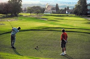 Golfplatz mit herrlicher Aussicht ins Tal