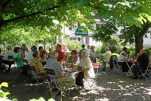 Hirschen in Kandern-Holzen. Biergarten und Gartenwirtschaft