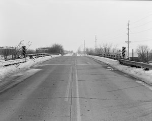 North portal of overpass and 86th Street. View to south.