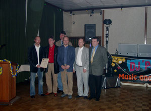 """Die """"Macher"""" der ersten Stunde! Von links: Jochen Neiße, Hans Erdmann, Werner Harms, Johann Behrends, Theo Behrends und Wilfried Freese."""