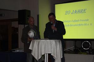 NFV-Kreislehrwart Jann Saathoff bei seiner Begrüßungsrede.