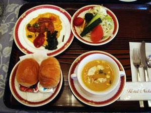 スープとオムレツが凝ってるHiroの洋食