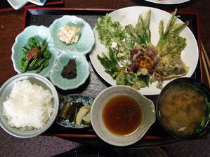 山菜天ぷら定食 普段食べない食材も