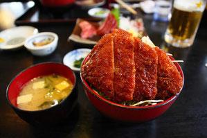 信州牛ロース肉のソースカツ丼