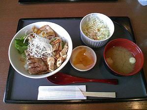 近江牛・豚・鶏の丼