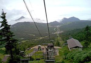 横手山のリフト