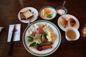 バイキング形式の朝食 これは洋食系