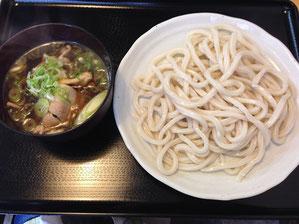 肉汁うどん 麺はおいしい つゆがやや塩辛い