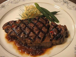 信州和牛フィレ肉のステーキ シャリアピンソース