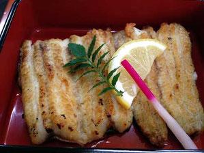 白焼きは「上質な白身魚より美味しかった」と
