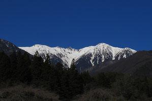 中央アルプスの山々は近くに