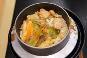 地元志賀産米の釜飯。口は欲しがったが、もう満腹