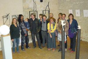 en présence des artistes et de Mr le Maire