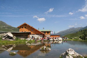 Lizumerhütte, 2019m