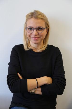 """nina kaltenböck trägt """"sigmund"""" - naturalPX brille"""