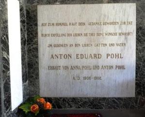 Gedenktafel im Mausoleum