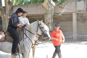Cours collectif en équitation de travail (monte camargue)