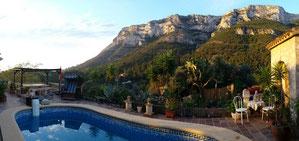 Blick von unserer Pool Terrasse auf den Montgo an der Costa Blanca