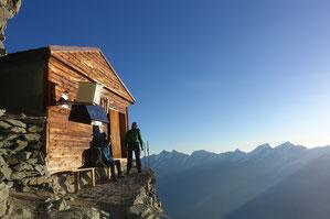 Matterhorn, Horu, Hörnligrat, Bersteigen, Zermatt, Schweiz, Solvaybiwak, untere Moseleyplatte, obere Moseleyplatte