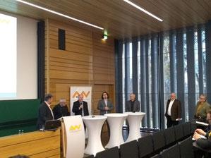 Von links: Jürgen Herda, Prof. Dr. Dr. em. Jörg Maier, Dr. Wolfgang Weber, Dr. Manuel Trummer, Prof. Dr. Jaroslav Dokoupil, Josef Schönhammer, Johann Fischer