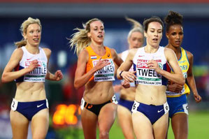 Laura Whittle on the left at the European Championships with Steph Twell (bronze medal) in the foreground and Eilish McColgan (6th) in the background.