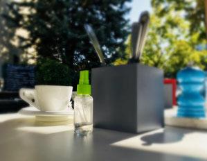 outdoors café & spray