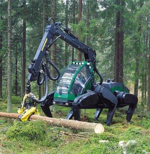 北欧の立木伐到造材作業機フォレストアーント