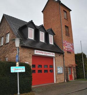 Das Gerätehaus in Iden soll erweitert werden. Die Verbandsgemeinde Arneburg-Goldbeck wartet auf die Fördermittel.