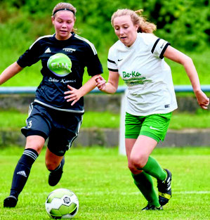 Auf unserem Bild messen sich Viktorias Luisa Winter (links) und Lisbeth Splietorp vom TSV Metze.