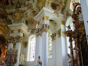 üppige Innenverzierung in der Wieskirche