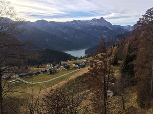 Erster Blick auf den Lago di Sauris