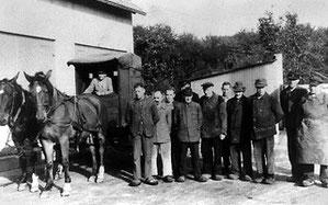 Milchanlieferung durch die Bauern bei Molkerei Strothmann 1947