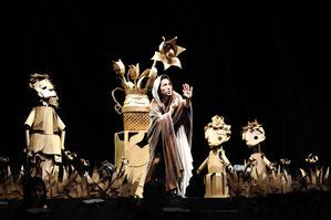 ▲人形劇俳優たいらじょう「王女メディアの物語」