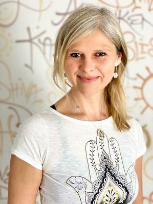 Helene Faulhaber Sunny Mind Yoga