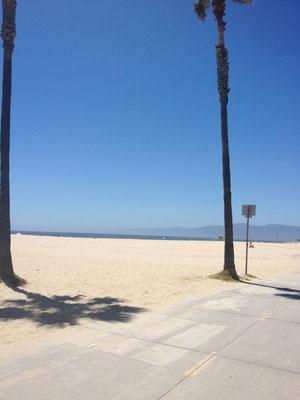 BEACHに向かった。