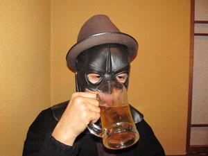 バッドマンビール飲みにくそうw