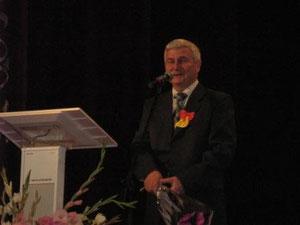 Разин Нуруллин на 90-летии школы