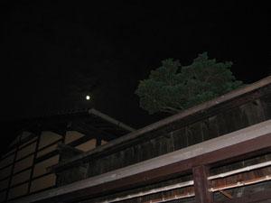 飛騨高山の月
