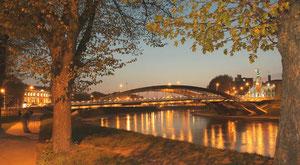Naktinis Mindaugo tiltas / Nocturnal Mindaugas bridge (photo Gintaras Burba)