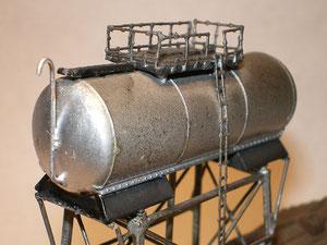 Particolare del serbatoio, elaborato partendo da una cisterna Roco.