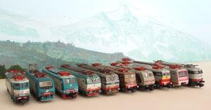 Una parata di locomotori, artigianali e non, dotati dei pantografi ASN-Mario Malinverno.